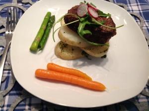 Beef fillet in Ansley potatoes & veggies