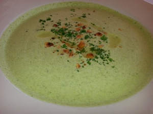 Chilled watercress and yoghurt soup