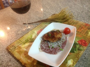 Chicken with vermicelli and red cabbage puree
